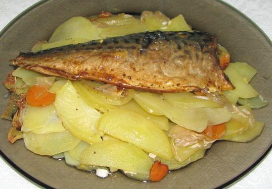 Фаршированная скумбрия, запеченная в духовке с картошкой - вкусный рецепт в фольге 4