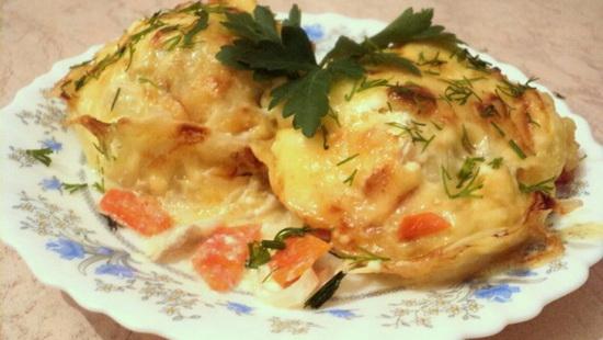 Как вкусно приготовить минтай в духовке со сметаной, майонезом, картошкой в фольге - рецепт с фото 2