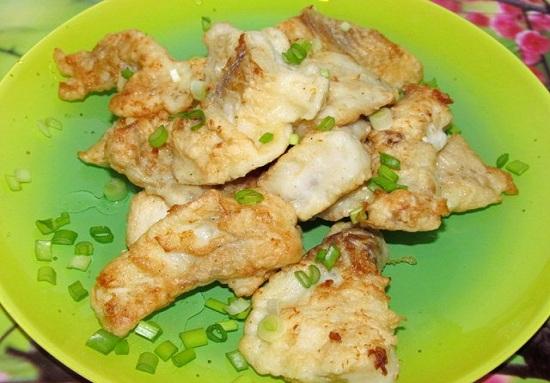 Тушеный и жареный минтай в кляре - пошаговые рецепты с фото 1