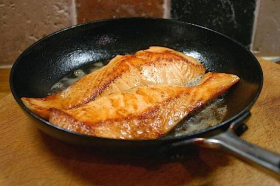 Жареный на сковороде минтай - рецепты приготовления с фото 3