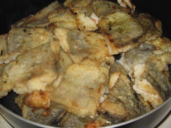 Как пожарить минтай на сковороде в сметане рецепт
