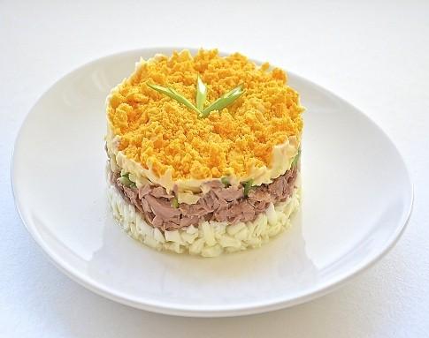 Салат Мимоза — новый рецепт с сайрой и сыром
