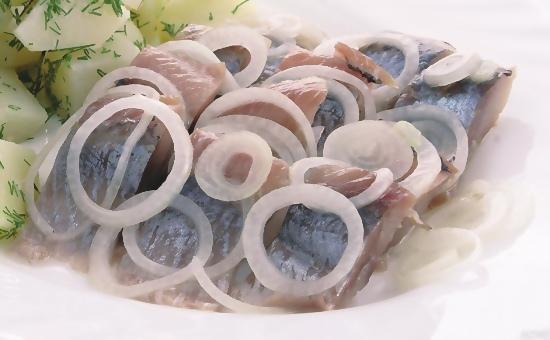 Как посолить сельдь в домашних условиях вкусно и быстро - учимся правильно солить рыбу 2