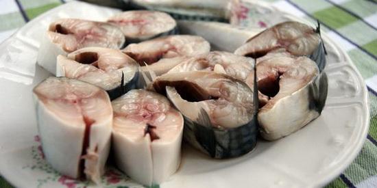 Вкусная соленая скумбрия в домашних условиях быстро - слабосоленая рыба за 2 часа 3