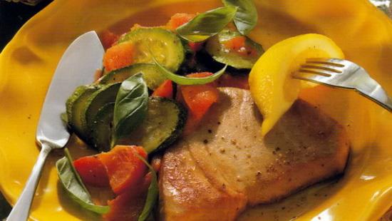 Запечённый и жареный тунец - рецепты приготовления рыбы с фото 2