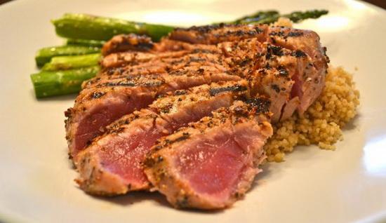 Запечённый и жареный тунец - рецепты приготовления рыбы с фото 3