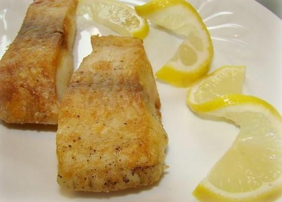 Пикша жареная - рецепт с фото1