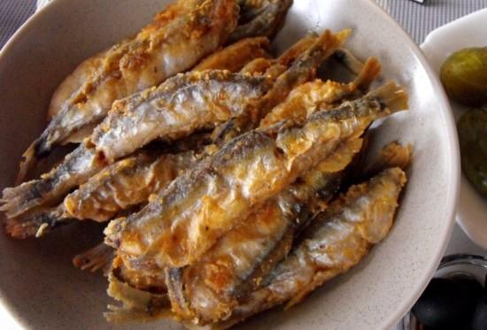 Мойва в духовке (рецепты с фото) с луком и сметаной2