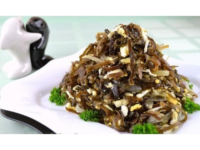 салат из морской капусты с яйцом и луком 2