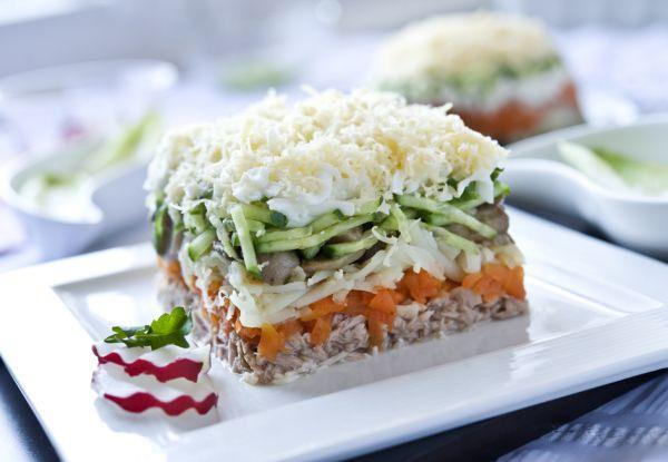 салат из соленой горбуши 2