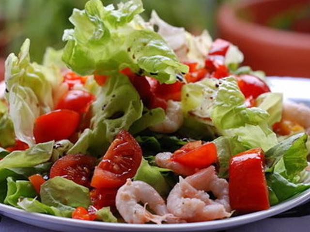салат креветки, помидоры, огурцы 1