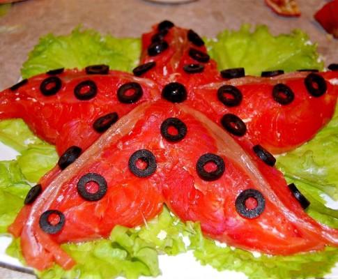 Салат Морская Звезда с красной рыбой, рецепт по шагам