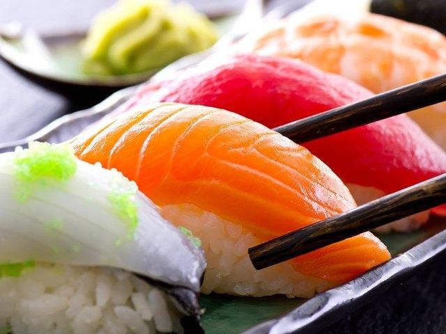 суши с семгой нигири 1