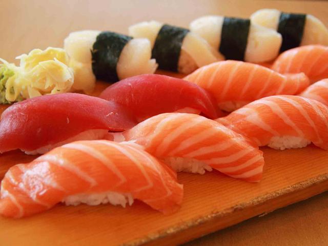 суши с семгой нигири 2